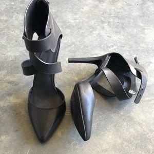 Joes Jeans Black Stiletto Strap Heel size 6.5